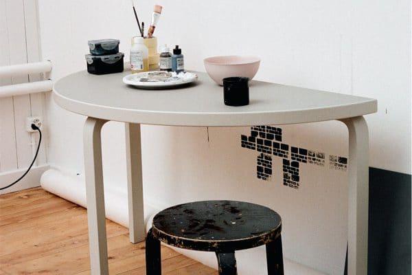 Artek – Aalto Table half-round