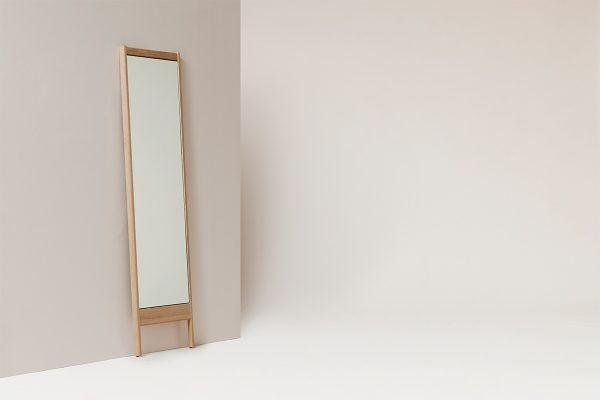Form & Refine – Standspiegel A-Line