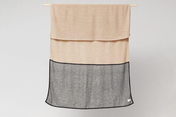 Form & Refine – Decke Aymara Rib Light Brown