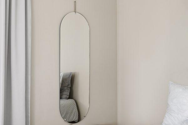 MOEBE – Wandspiegel Tall