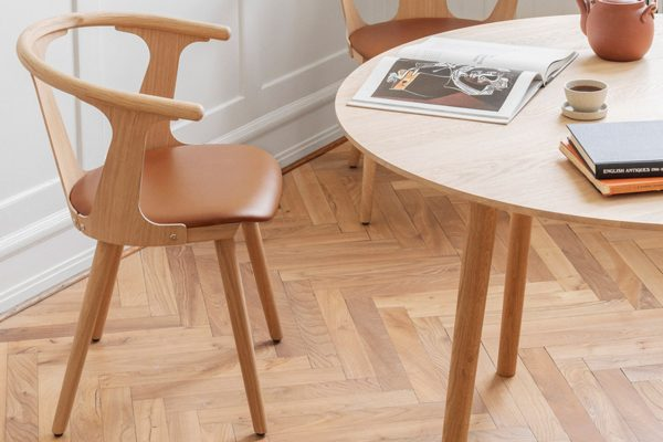 Aktion: &Tradition – Stuhl In Between – 3 + 1 gratis