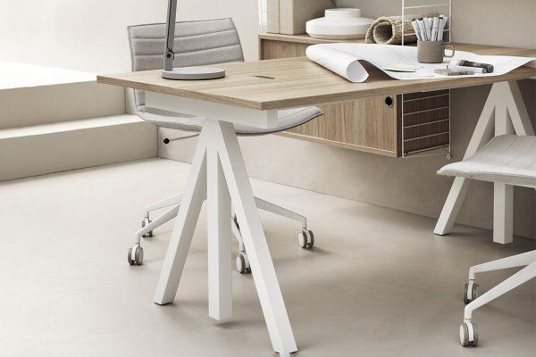 String – Höhenverstellbarer Schreibtisch